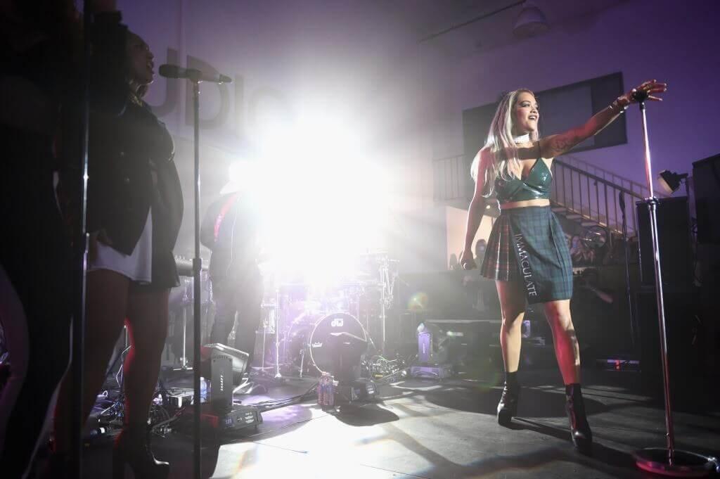 "Rita Ora Performs at the Samsung and MTV Video Music Awards' ""Song"