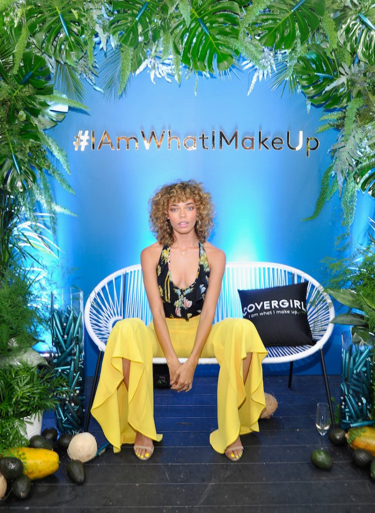 Kari Michelle attends a COVERGIRL sneak peek to their Fall 2018 Makeup line with COVERGIRL'S SVP, Ukonwa Ojo on May 8, 2018 in Los Angeles, California